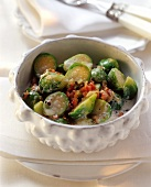 Brussels sprouts with bacon and juniper cream (side-dish)