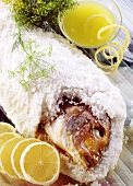 Fisch (Goldbrasse) in Salzkruste gebacken