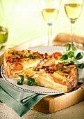 Potato and carrot quiche with ham