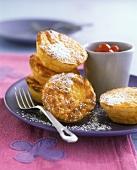 Süsser Safran-Reisauflauf mit Cranberrykompott