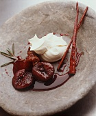 Figues a la crème (marinated figs with cream)