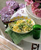 Spaghetti with courgette cream sauce