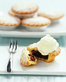 Mince pie with clotted cream (England)