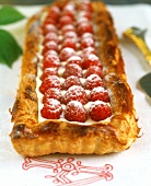 Raspberry tart with puff pastry
