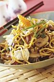 Stir-fried egg noodles with mushrooms and pak choi (Japan)
