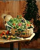 Korb mit Gartengemüse
