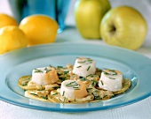 Scallop surimi with stewed apples