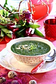 Creamed spinach soup with almonds