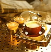 Viennese coffee specialities: Konsul and Melange