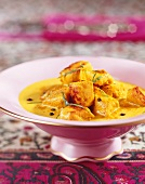 Chicken curry (diced chicken breast in curry sauce)