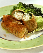 Breaded savoy rolls with sheep's cheese filling