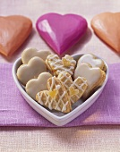 Ginger hearts with apricot jam