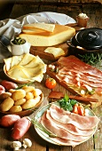 Raclette ingredients: potatoes, cheese and ham