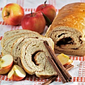 Apple and cinnamon roulade