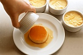Turning crème caramel out of the mould