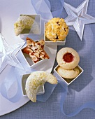 Assorted biscuits (vanilla crescents, 'Husarenkrapfen' etc.)