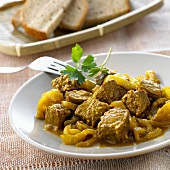Lamb curry with onions (India)