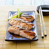 Three grilled salmon fillets (Japan)