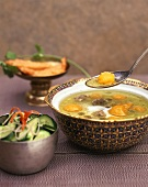 Curried soup with beef and mango (India)