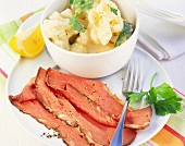 Roast beef with cauliflower in béchamel sauce