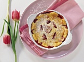 Strawberry gratin garnished with two tulips