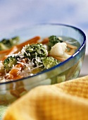 Quick minestrone with pesto and Parmesan