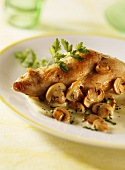 Rabbit leg with fennel and mushrooms