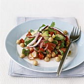 Chick-pea salad with avocado and tomatoes