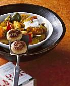 Paprika-Kartoffel-Gulasch mit Frikadellen