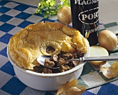 Steak and kidney pie (England)