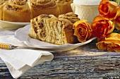 Rose cake (coiled bun round)