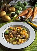 Kartoffeleintopf mit Entenkeulen & Rosenkohl