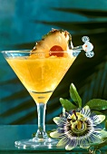 Drink: Pineapple Daiquiri with rum, pineapple juice & slice