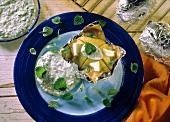 Baked Potatoes mit Kräuterdip