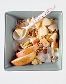 Apple muesli with sour milk, raisins & large apple chunks