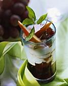 Pear & grape sundae (layered dessert with quark & fruit)