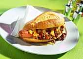 Chili dogs (spicy hot dogs with beans, mince and cheese)