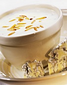 Cheese sauce with gorgonzola and pine nuts