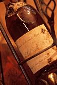 Eine Flasche alter Tokajer