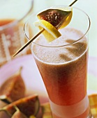 Pink beauty: whey drink with figs and plums