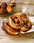 Wholemeal salt pretzels in bread basket