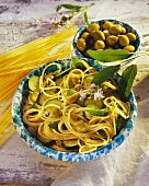 Durum wheat spaghetti with courgettes, green olives & sage