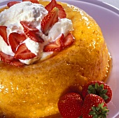 Savarin with strawberries and cream