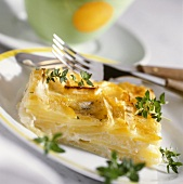 Gratin of potato and apple with fresh thyme