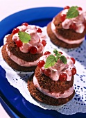 Muffin tarts with berry mousse and redcurrants
