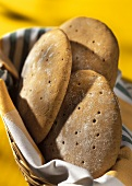 Vinschgau flat breads in a bread basket