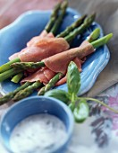 Green asparagus with smoked ham and basil dip