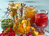 Bottled fruit and vegetables, jams and pesto