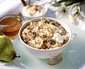 Muesli with bananas and flaked almonds