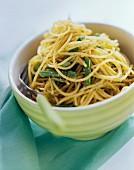 Pasta del contadino (Pasta with rocket pesto and green beans)